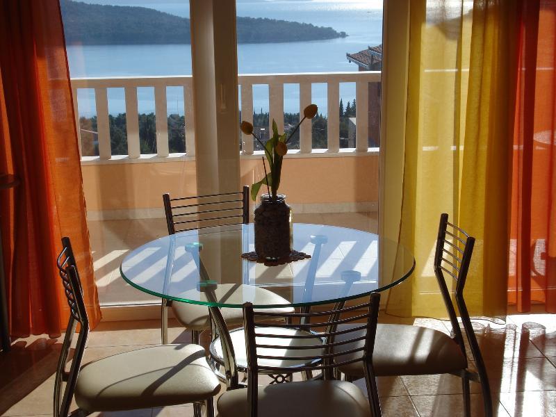 Apartmani Elza, vacation rental in Donji Seget
