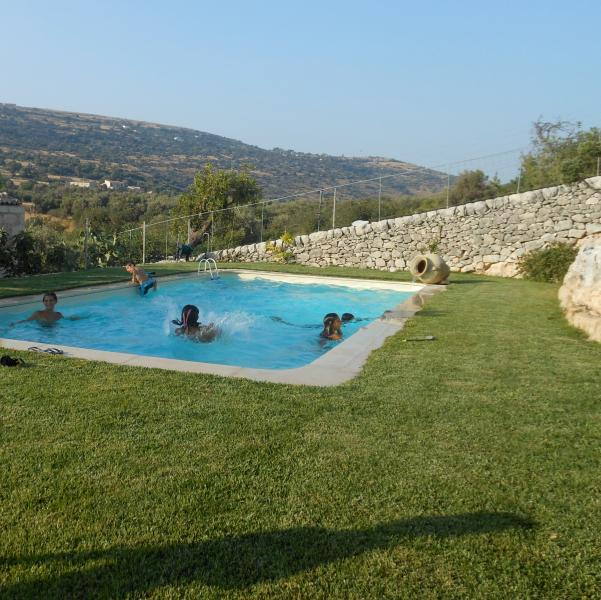 Case Buglìa lovely country house, holiday rental in Cimilla