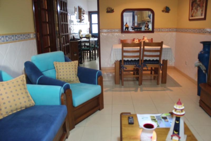 t2 plage appartement, bien situé en face du phare Bar à 70 mètres de la plage.