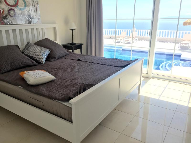 Main Bedroom Suite with amazing views, full en-suite and dressing area - Leads to Pool Terrace