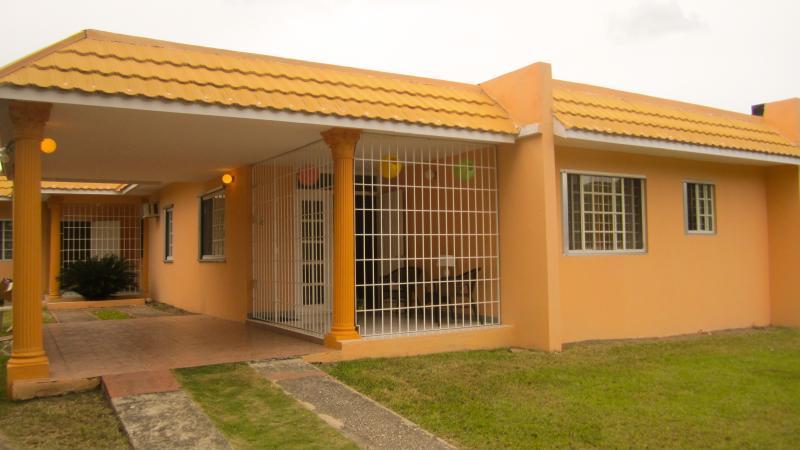 Student Room MONA, vacation rental in Bull Bay