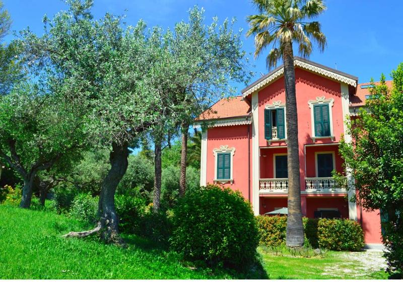 Porzione di villa liberty al mare 'Eden', holiday rental in Silvi Marina