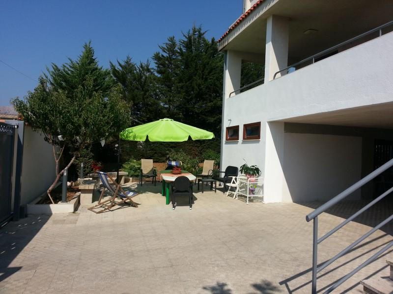 Lovable apartment in a renewed villa (3 + 1), holiday rental in Trappeto