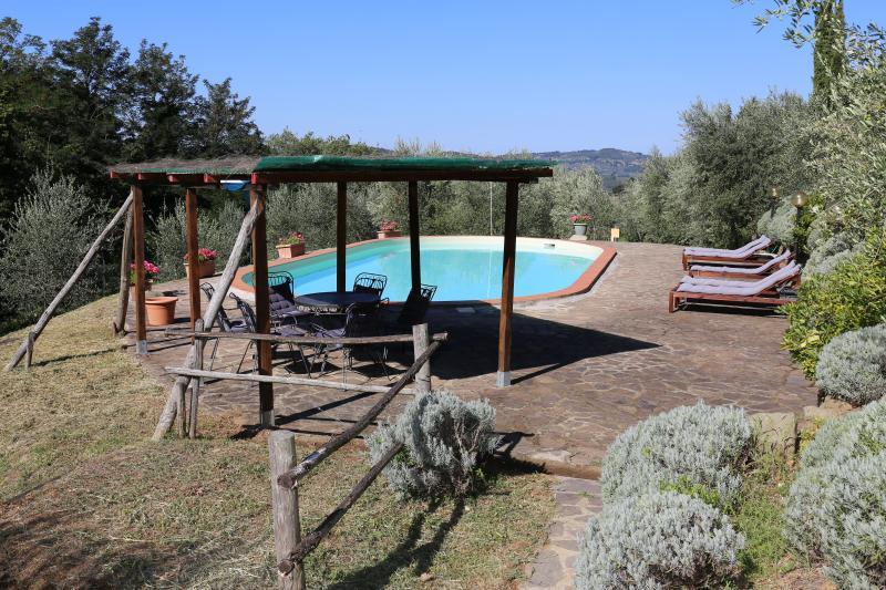 Chianti 360 Panoramic Villa with a Pool, casa vacanza a Casole