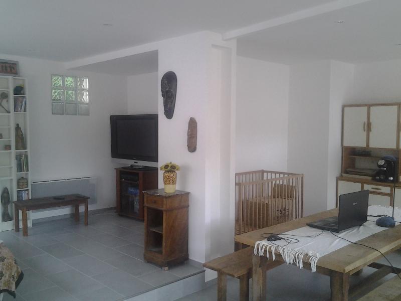 Maisonnette avec exterieur, location de vacances à Saint-Gervasy