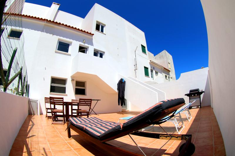 Supertubos Beach House, vacation rental in Atouguia da Baleia