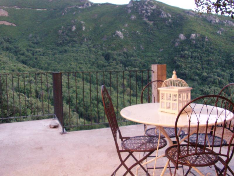 jolie location saisonniaire calme et ensoleillé, location de vacances à Barbaggio