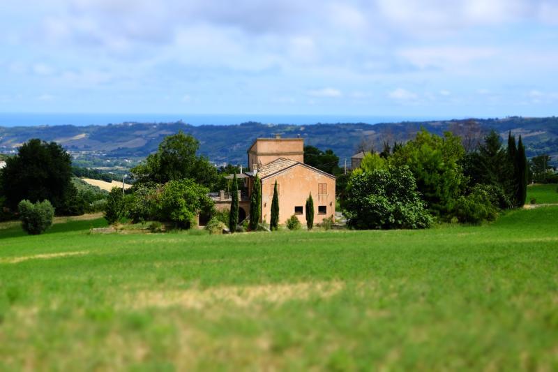 torre di avvistamento, nel 1600 diventa torre colombaia,primo tipo di abitazione fuori dal castello