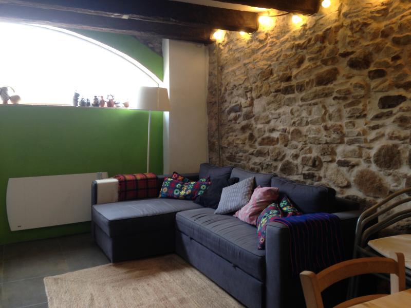 Girona Costa Brava Casa en pequeño pueblo Fontanilles, Ferienwohnung in Gualta