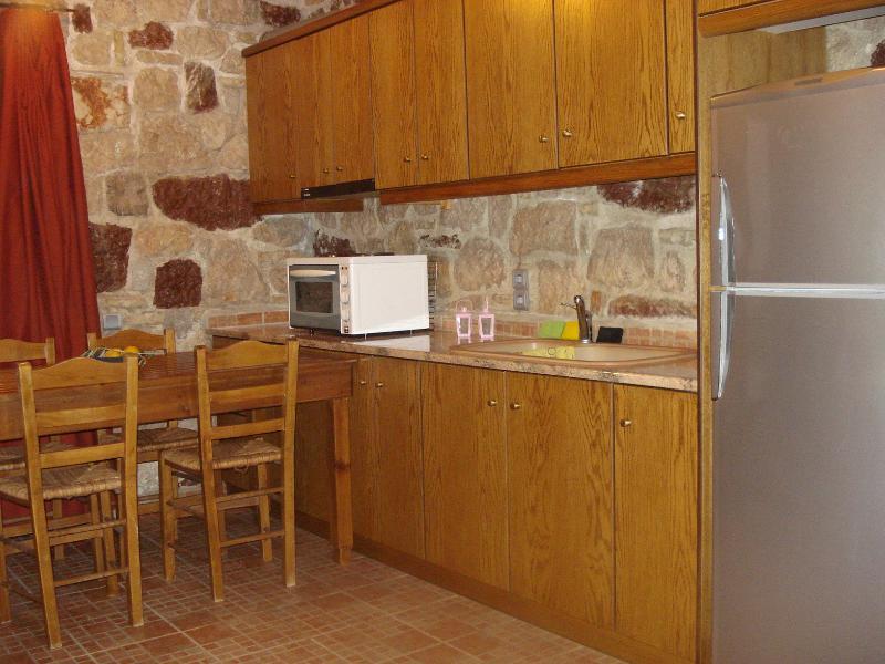 Athina's apartment, location de vacances à Epidavros