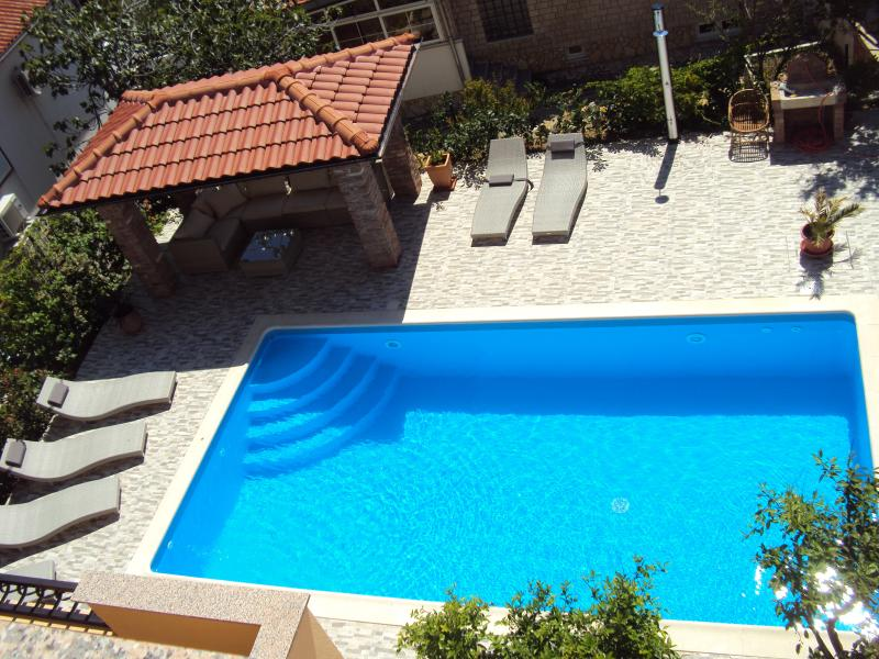 Close to Sea&City / Pool&Grill, Apartment Limetta, holiday rental in Palit