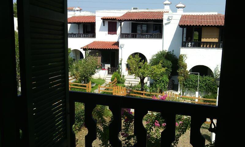 1. Stock Schlafzimmer Balkon Blick auf den Garten