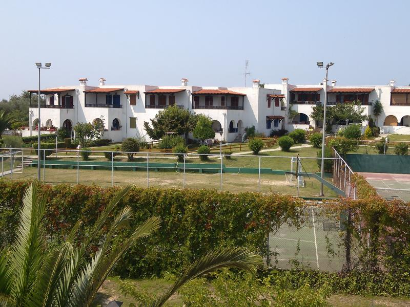 Unique Vacation island stylish Villa in Halkidiki!, holiday rental in Nea Kallikratia