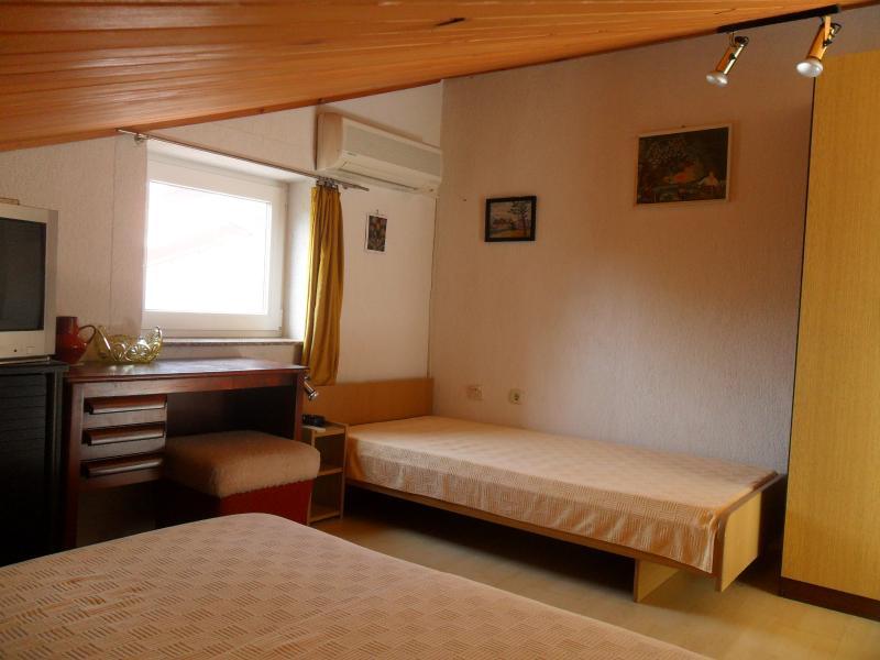 Apartment SIMPA 1, vacation rental in Njivice