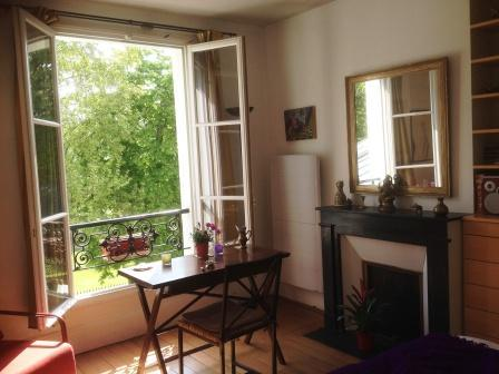 Central Chic Apt with Stunning View, vacation rental in Paris