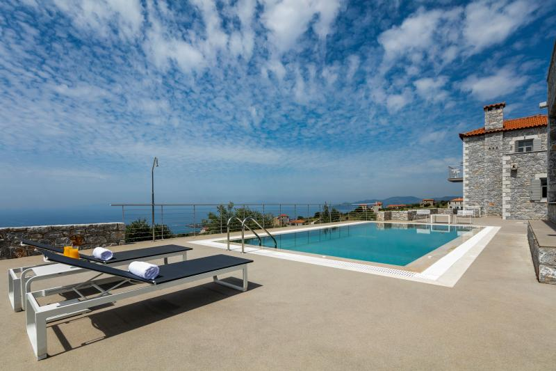 ASANTI VILLAS 2, vacation rental in Stoupa