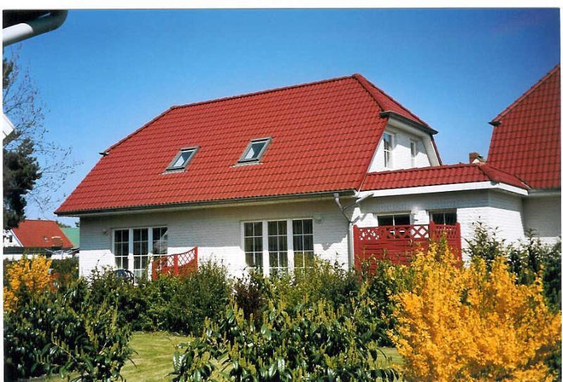 Ferienhaus Ostseestern Haushälfte Mond, location de vacances à Zingst
