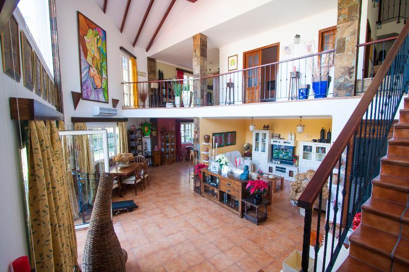 Casa de la Loma, vistas preciosas, piscina, wifi, aluguéis de temporada em Agaete