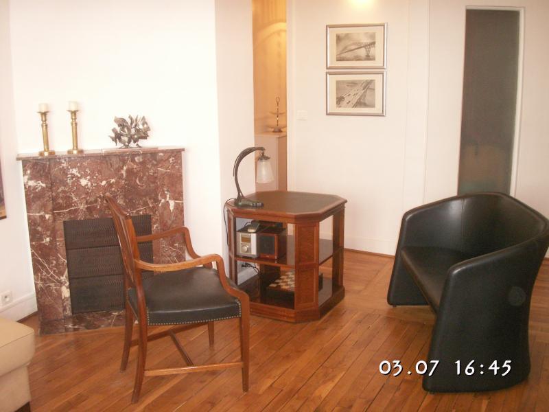 Appartement de charme proche toutes commodités, aluguéis de temporada em Montrouge