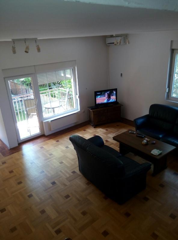116m2,Luxus Wohnung für 4 Personen,2 Bäder,2 Schlafzimmer, Parkplatz, Küche, Garten, Balkon