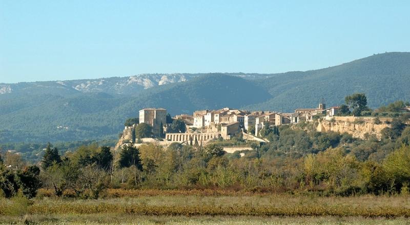 vue du village Lauris