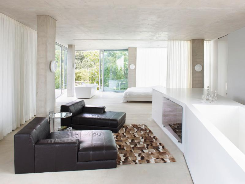 H-House Top Architectural Residence with pool, casa vacanza a Gronsveld