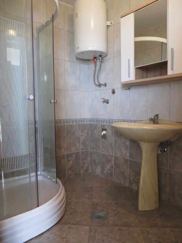 A3(2): toilet