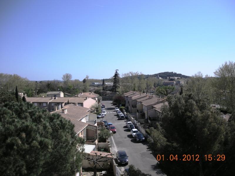 Appartement 3 pièces lumineux au calme, holiday rental in Morieres-les-Avignon