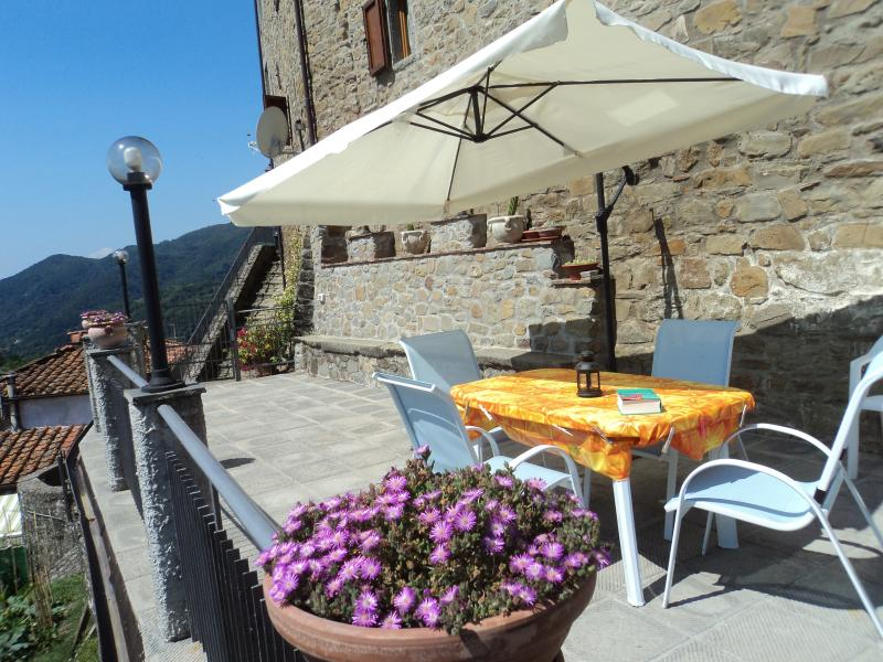 amazing view appartment with nice terrace, holiday rental in Lanciole
