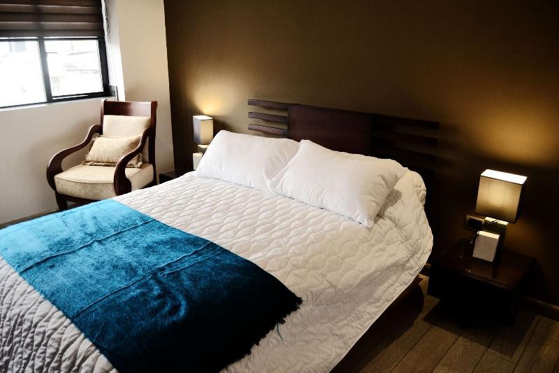 Sunny II,Two-Bedroom Suite, Terra Sur Cuenca., alquiler de vacaciones en Girón