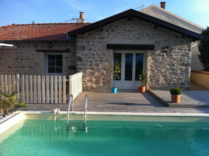 GITE DE LA COLLONGE (AMBIERLE 42), holiday rental in Saint Bonnet des Quarts