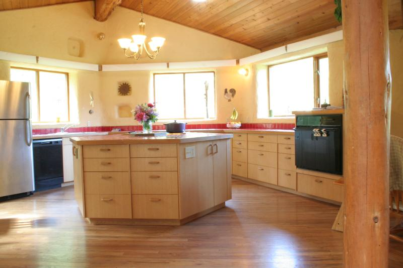 The large and bright kitchen will welcome everyone to cook together.