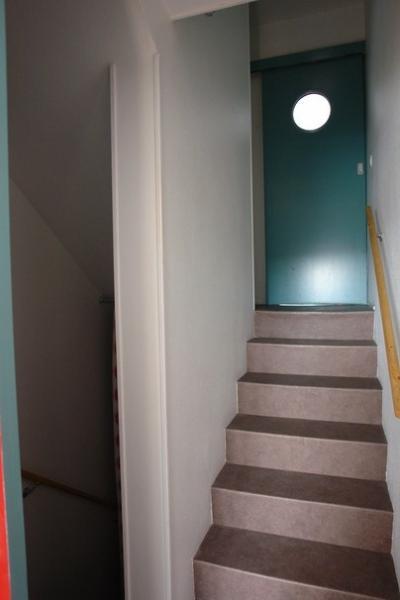 interior detalhe escada com porta deslizante chambre2