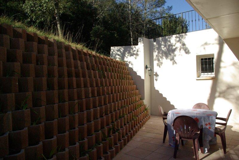 Villa dans pinède, holiday rental in Vailhauques
