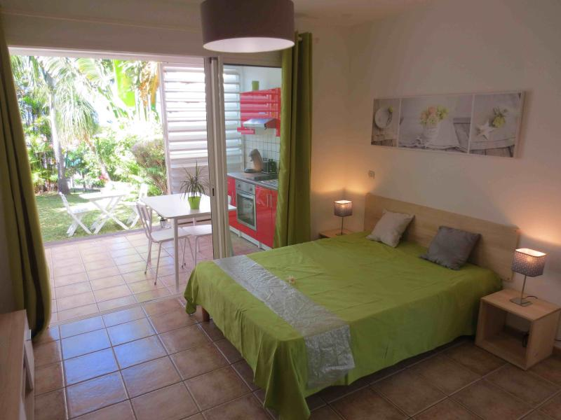 appartement de charme, holiday rental in La Saline Les Hauts