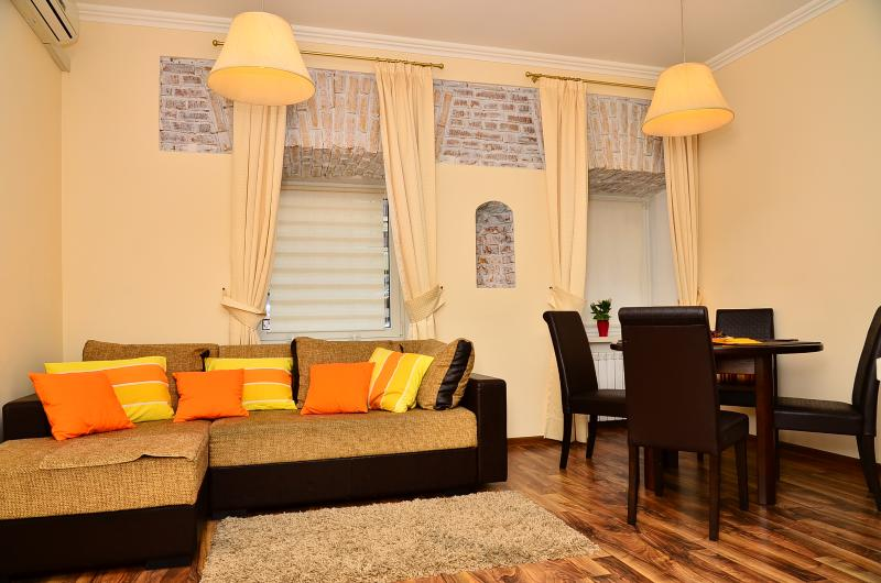 A stylish apartment in the heart of Kiev, vacation rental in Kyiv (Kiev)
