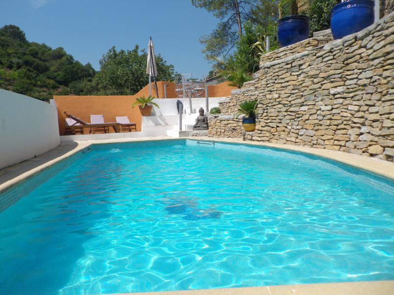 T3 JASMIN bas de villa avec piscine, holiday rental in Sollies-Pont