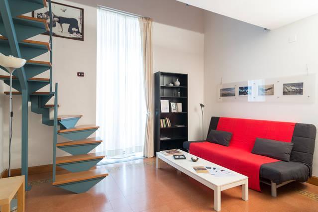 Monolocale Toledo in Napoli centro. Dotato di tutti comfort: wifi gratis ed aria condizionata.