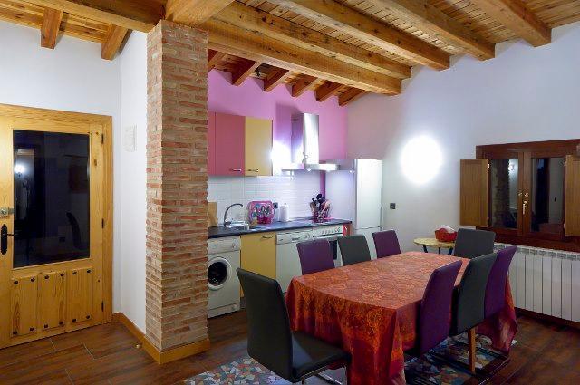 Villa Liquidámbar II, centro de La Rioja, holiday rental in Pradillo