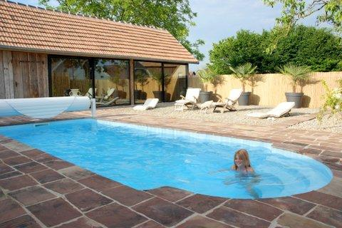ancien couvent / old monastery / pool, holiday rental in Rhinau