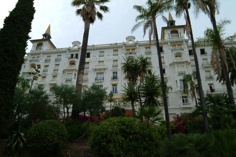 T1 calme et sécurisé dans un Palace, casa vacanza a Sainte-Agnes