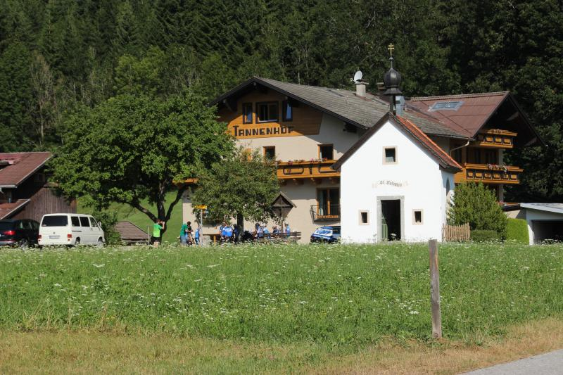 Ferienwohnung Tannenhof für 4 Personen, holiday rental in Heiterwang