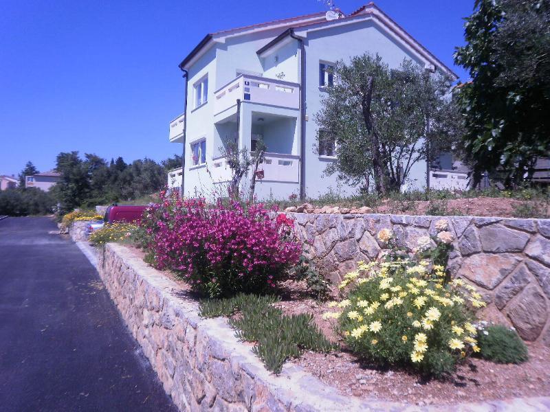 Apartment Alma 2, alquiler vacacional en Krk Island