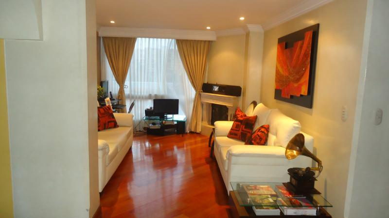 Bello apartamento en el norte de bogotá, location de vacances à La Calera
