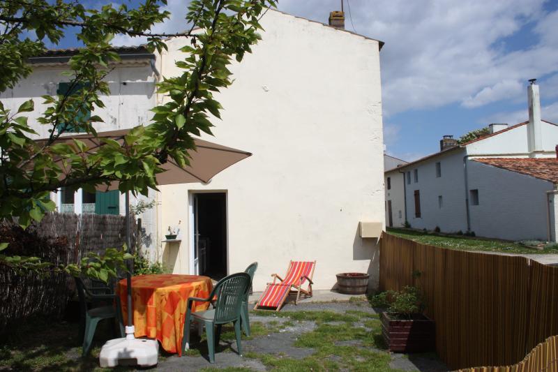 Maison campagne 15min Royan 5pers, alquiler vacacional en La Gripperie-Saint-Symphorien