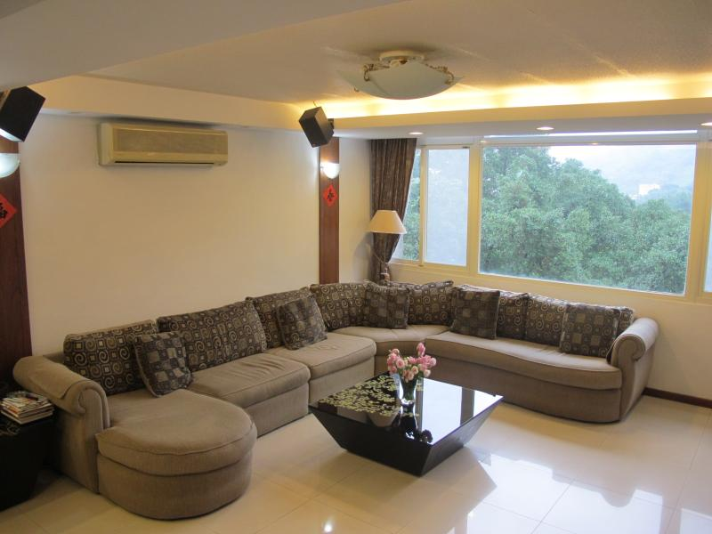 8 bedrooms Apartment Near Taipei 101/World Trade Ctr, holiday rental in Keelung