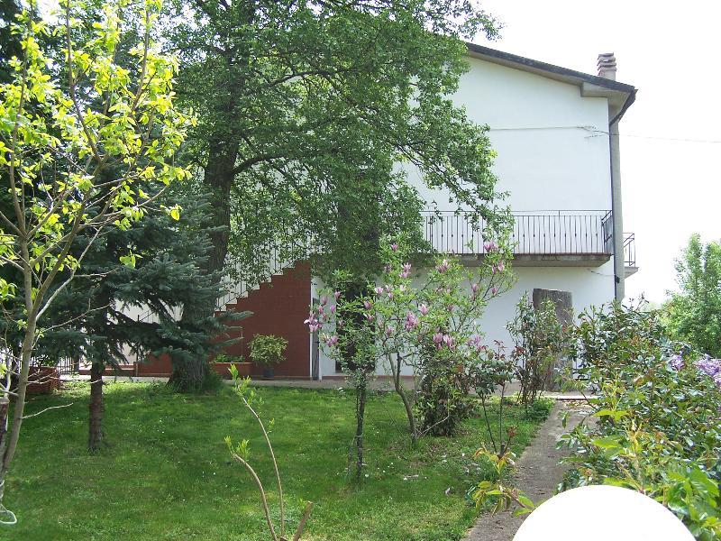 Agriturismo Terra Santa - Appartamento Fagiano, holiday rental in Roccalbegna
