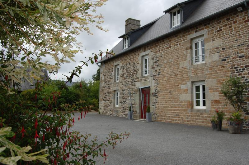 GITE DE CHARME AVEC SPA FERME DE LA MASSERIE 14 p., holiday rental in Sainte-Cecile