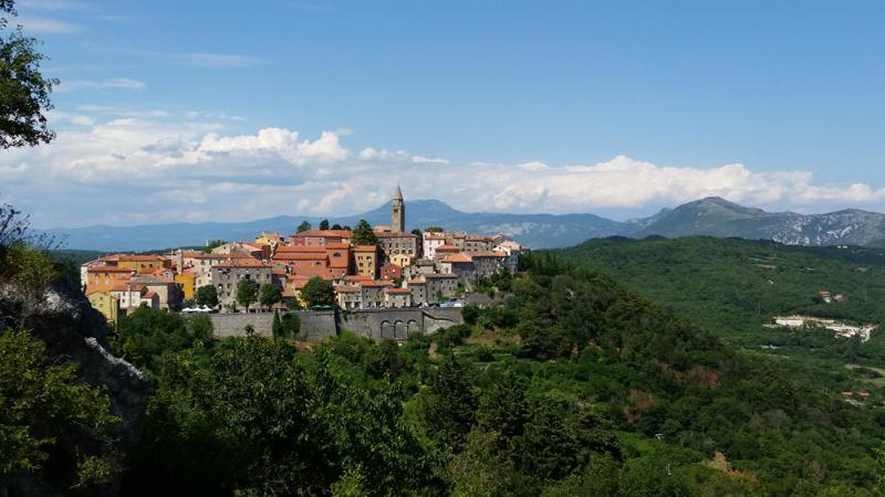 great view and position, alquiler vacacional en Labin