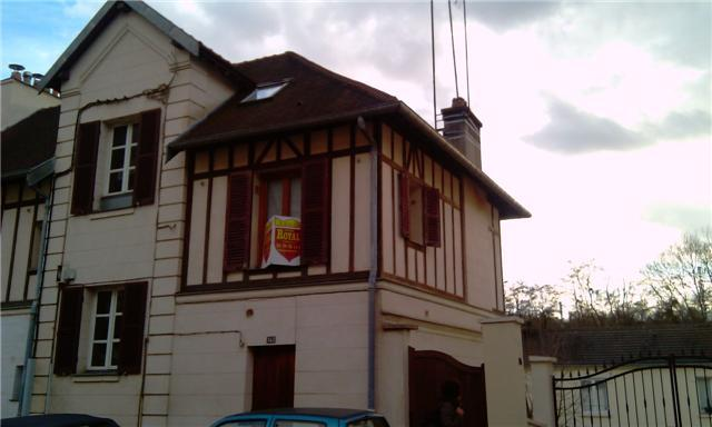 Charmant studio meublé proche Versailles, vacation rental in Guyancourt